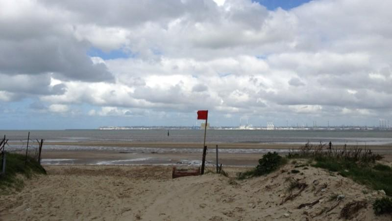 Surf report Pennedepie - France (14) 2012-04-15 13:00:00