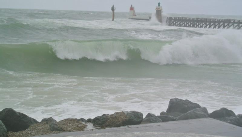 Surf report Capbreton - Les Digues - France (40) 2012-04-18 16:00:00