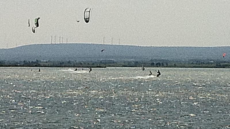 Wind report Etang de La Palme - France (11) 2012-01-08 10:00:00