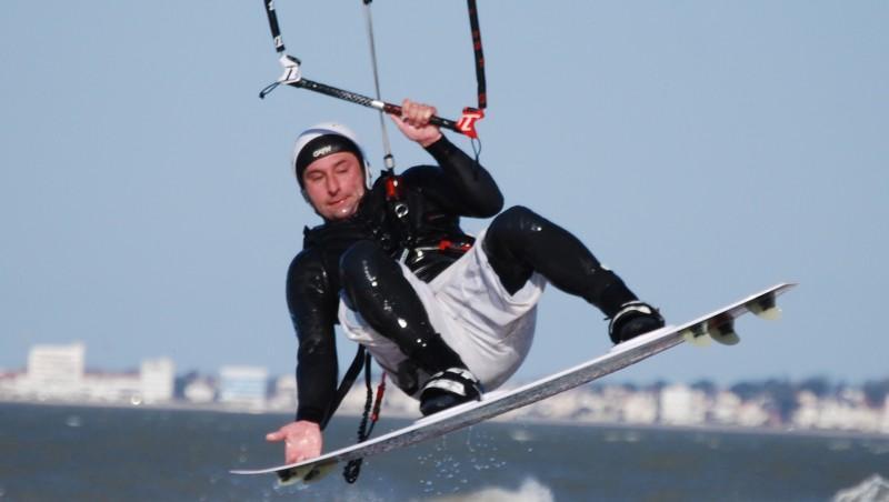 Wind report La Chambrette - France (33) 2012-02-19 12:00:00