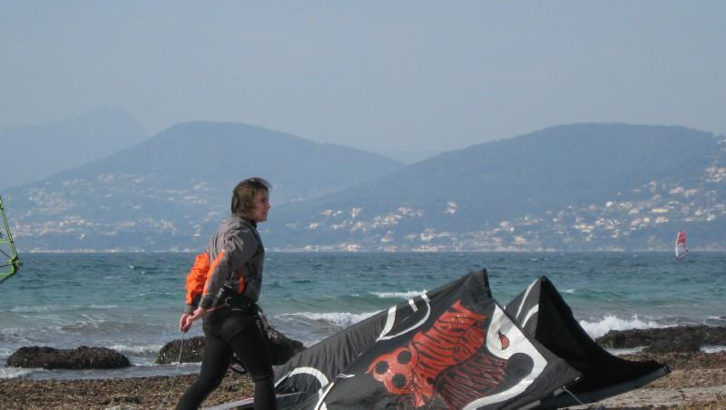 Wind report La Madrague - France (83) 2012-02-19 14:00:00