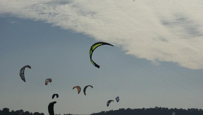 Wind report La Madrague - France (83) 2012-02-19 14:00:00