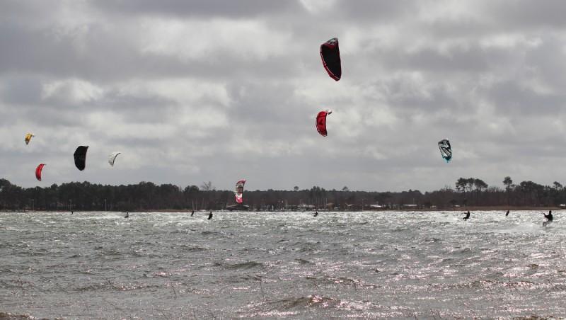 Wind report Les Aigrettes - France (40) 2012-03-18 11:00:00