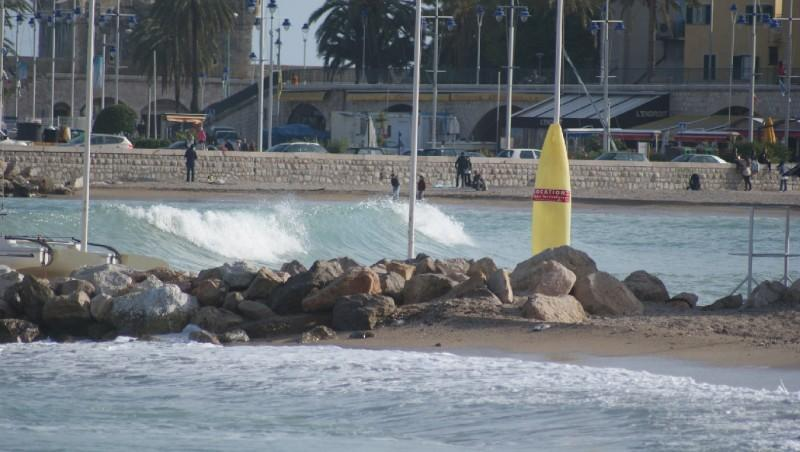 Surf report Menton - Baie du Soleil - France (06) 2012-04-26 16:00:00
