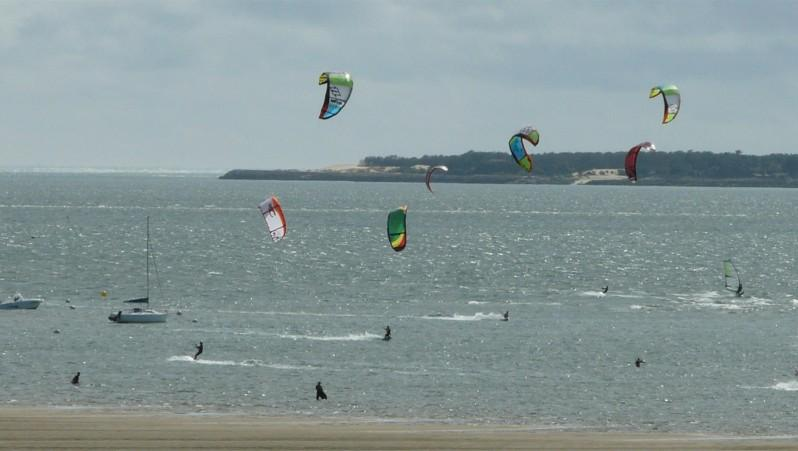 Wind report Arcachon - Les Arbousiers - France (33) 2012-06-10 17:00:00