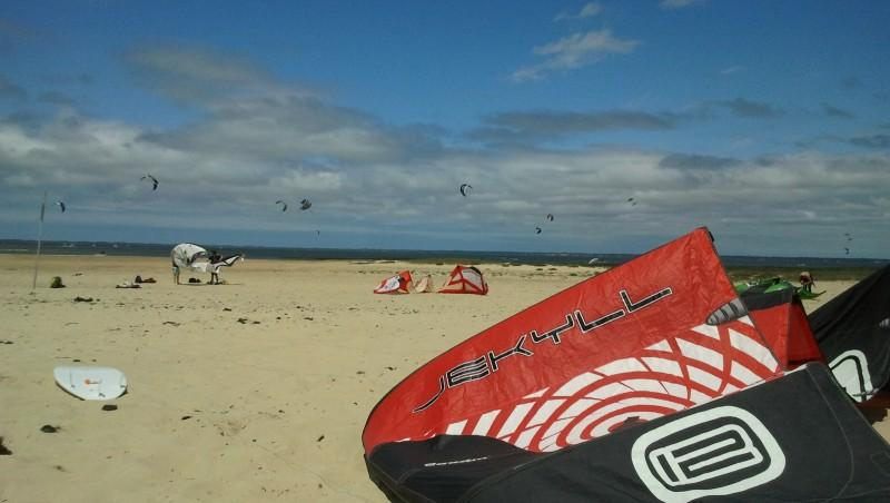 Wind report La Hume - France (33) 2012-06-16 14:00:00