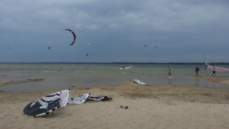 Wind report Hourtin port - France (33) 2012-09-23 16:00:00