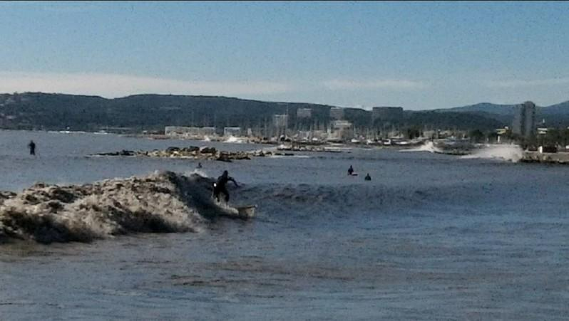 Surf report Saint-Laurent-du-Var - Cap 3000 - France (06) 2012-10-27 11:00:00
