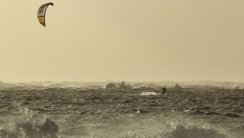 Wind report La Lagune - France (33) 2012-12-07 14:00:00