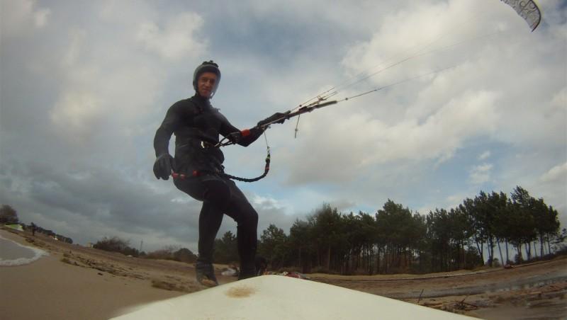 Wind report Hourtin port - France (33) 2012-12-15 14:00:00