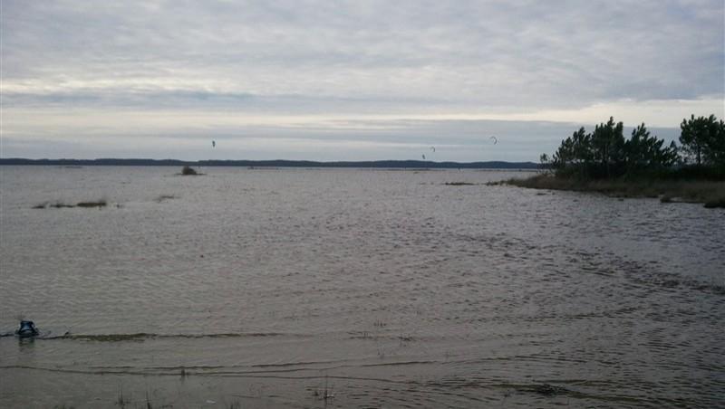 Wind report Hourtin - Lachanau - France (33) 2012-12-31 12:00:00