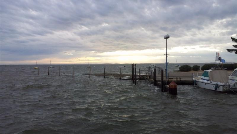 Wind report Andernos - Le Betey - France (33) 2013-04-10 17:00:00