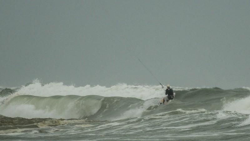 Wind report Le Porge - France (33) 2013-04-26 15:00:00