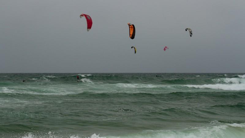 Wind report Le Porge - France (33) 2013-06-22 14:00:00