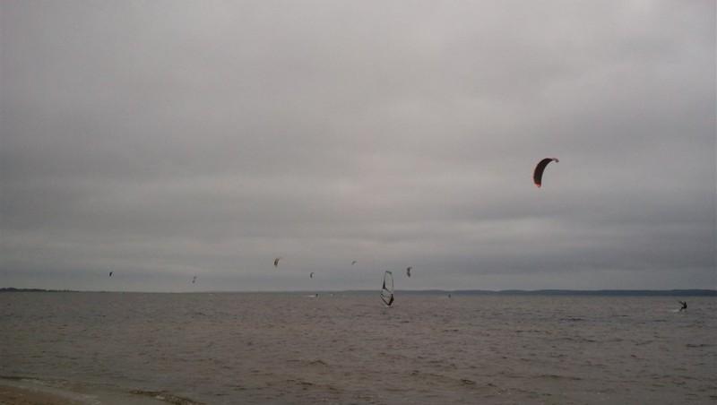 Wind report Hourtin port - France (33) 2013-06-28 18:00:00