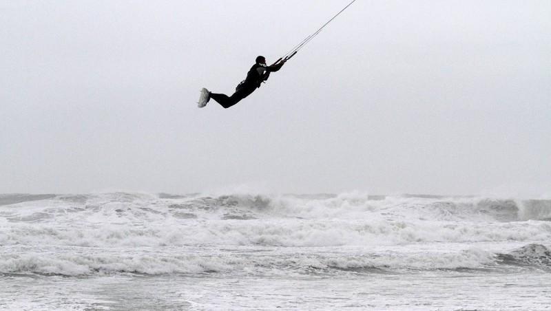 Wind report Lacanau Océan - La Nord - France (33) 2013-12-24 10:00:00