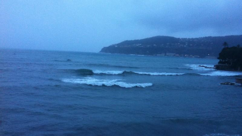 Surf report Villefranche - Plage Marinières - France (06) 2013-12-25 14:00:00