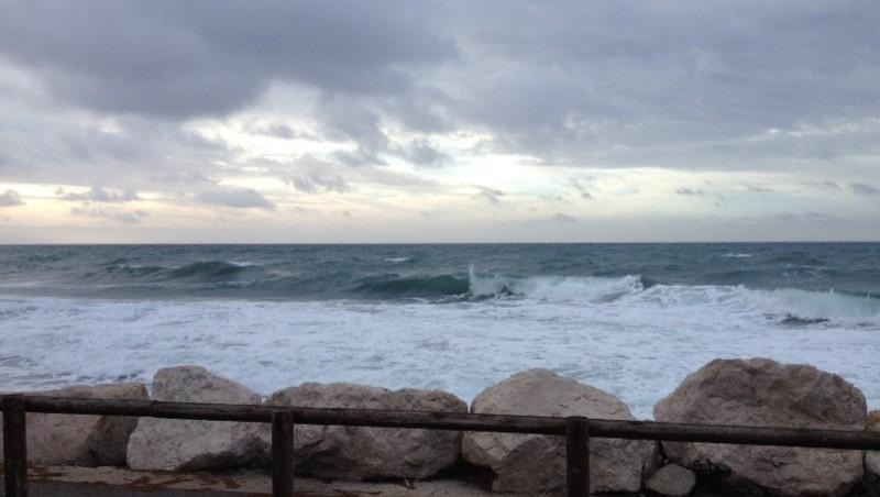 Surf report Sausset les Pins - Plage du Port - France (13) 2014-01-02 09:35:00