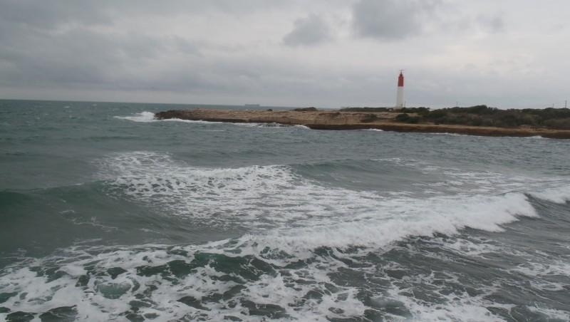 Surf report La Couronne - France (13) 2014-01-04 10:00:00