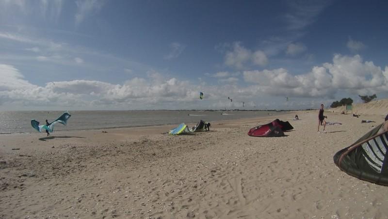 Wind report Aytré - Pointe de Roux - France (17) 2014-04-25 17:00:00