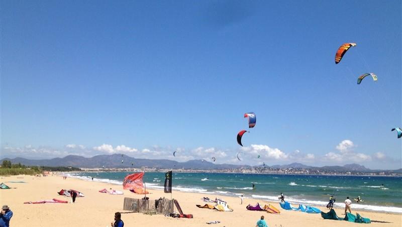 Wind report Saint-Aygulf - Zone Kite - France (83) 2014-05-18 13:00:00