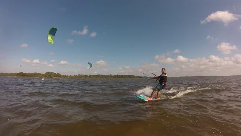 Wind report Hourtin port - France (33) 2014-07-10 17:00:00
