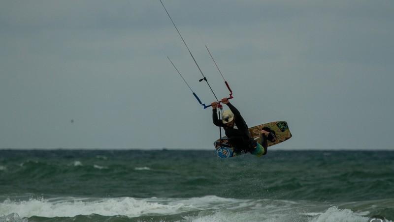 Wind report Le Porge - France (33) 2014-07-13 12:00:00