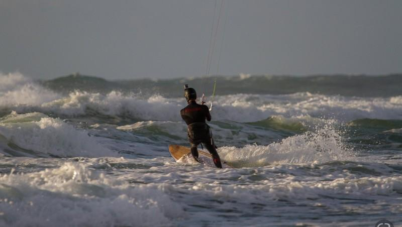 Wind report Le Porge - France (33) 2014-11-11 15:00:00