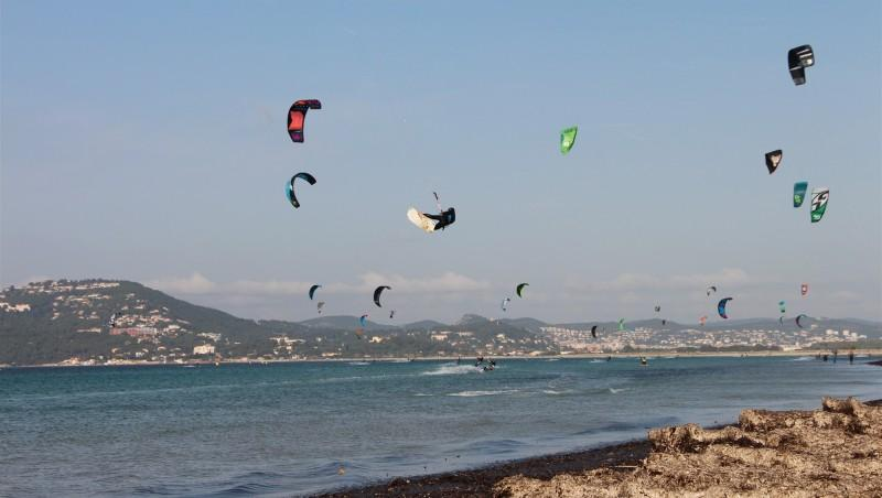 Wind report L'Almanarre - France (83) 2014-11-23 12:00:00