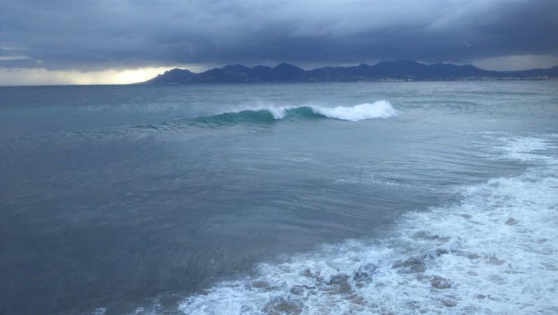 Surf report Cannes - Palm Beach - France (06) 2014-11-28 14:00:00