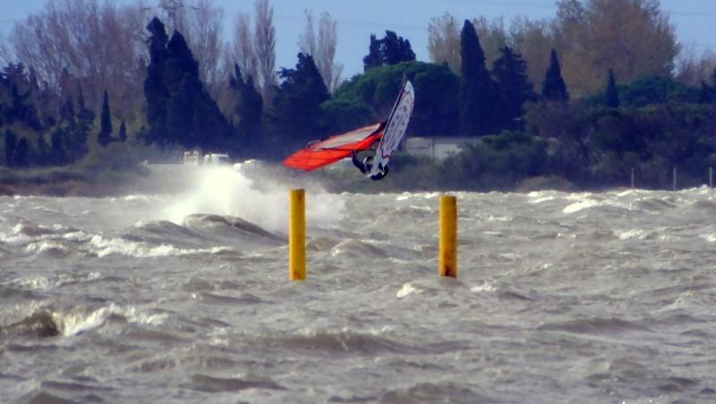 wind report Le Barcarès - Cap Coudalère  - France (66) 2014-12-02 12:00:00