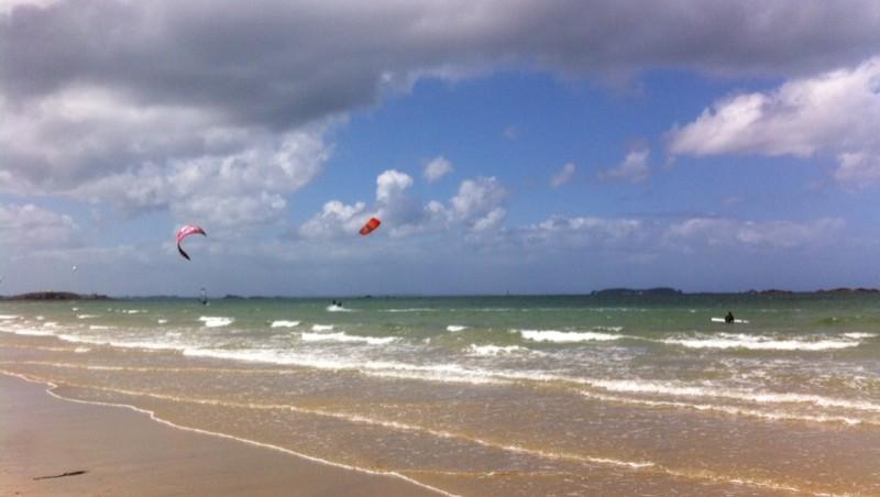Surf report Saint-Malo - Plage Rochebonne - France (35) 2015-05-14 13:39:00