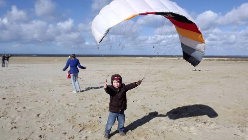 Wind report La Hume - France (33) 2015-03-04 15:00:00