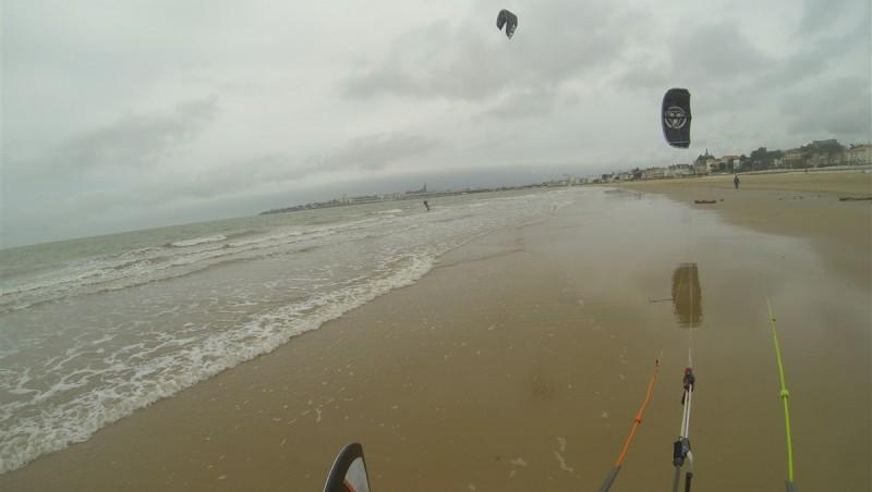 Wind report Royan - Grande Plage - France (17) 2015-04-26 13:00:00