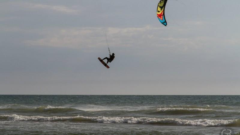 Wind report Le Porge - France (33) 2015-07-21 18:00:00