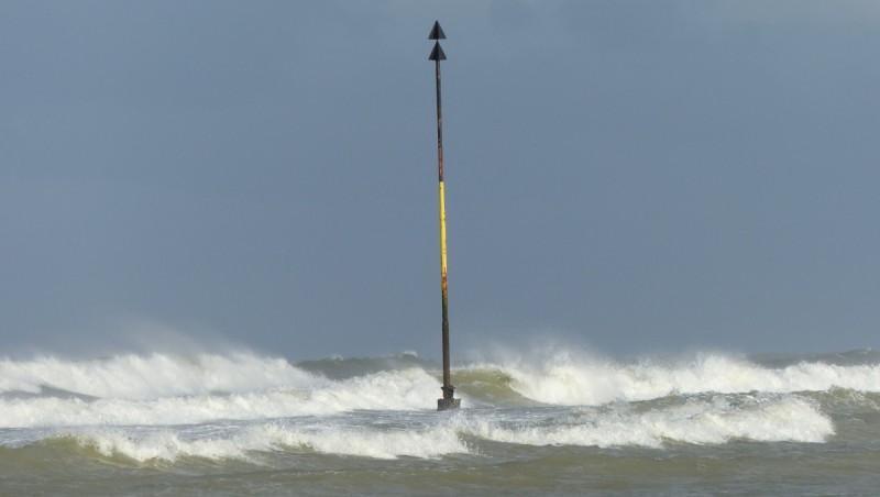 Wind report Les Huttes - Trois Pierres - France (17) 2015-09-14 11:00:00