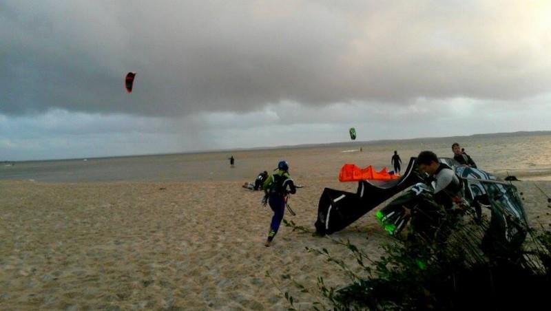 Wind report Hourtin port - France (33) 2015-10-06 16:00:00