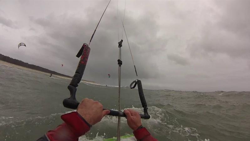 Wind report La Lagune - France (33) 2015-11-25 14:00:00