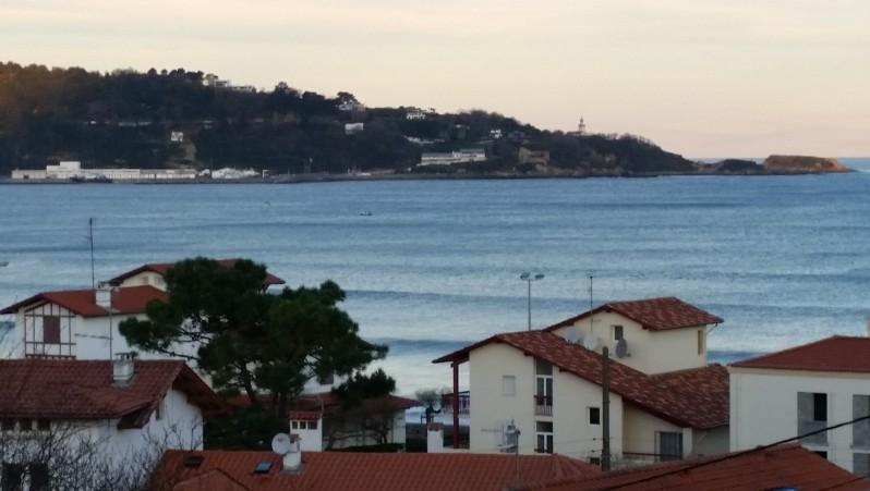 Surf report Hendaye - France (64) 2015-12-30 09:00:00