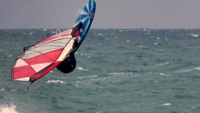 Wind report Saint-Cyprien - La Nord - France (66) 2016-10-12 19:00:00