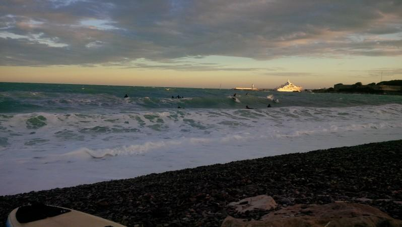 Surf report Antibes - Fort Carré  - France (06) 2016-12-04 13:00:00