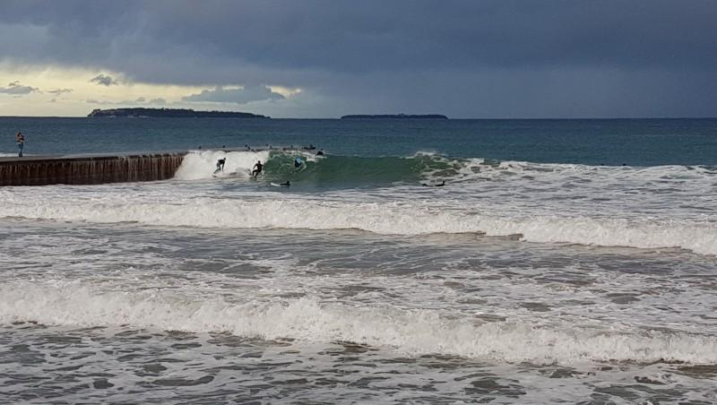 Surf report Mandelieu - l'Aérospatiale - France (06) 2017-03-04 12:00:00