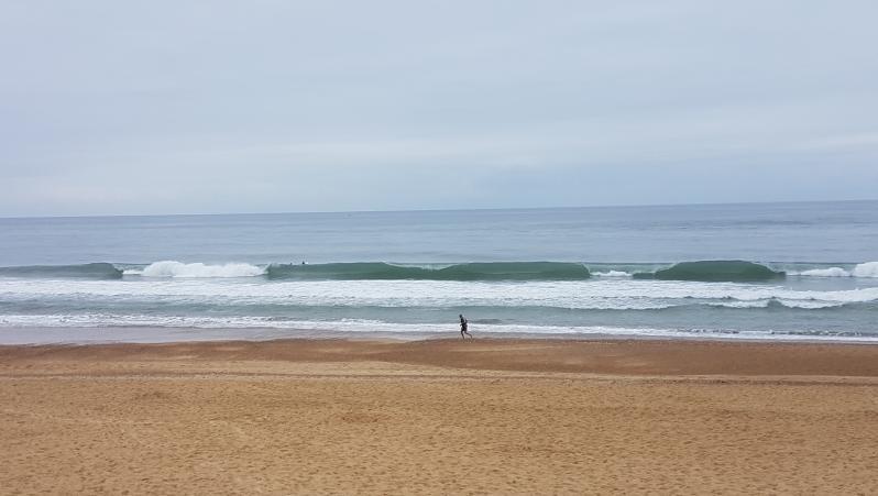Surf report Hossegor - La Gravière - France (40) 2017-08-01 09:00:00
