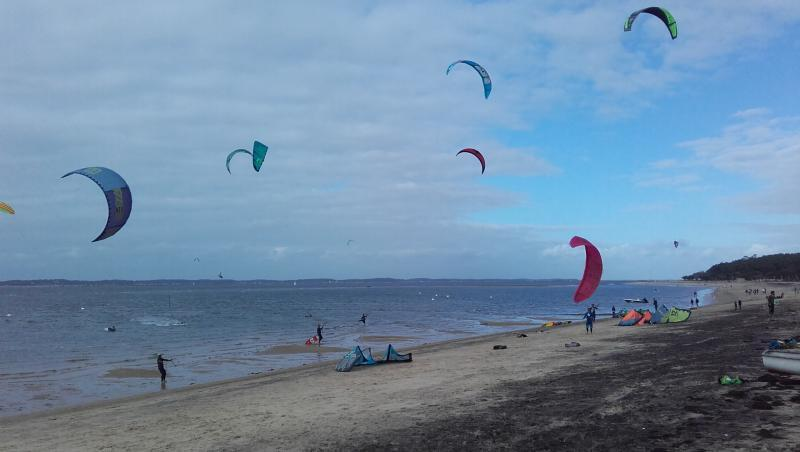 Wind report Arcachon - Les Arbousiers - France (33) 2017-10-22 15:00:00