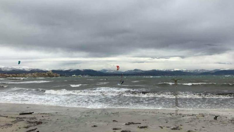 Wind report Antibes - Plage Salis - France (06) 2017-12-02 14:00:00