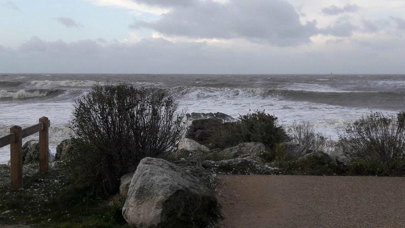 Surf report La Rochelle - Chef de Baie - France (17) 2017-12-11 09:00:00
