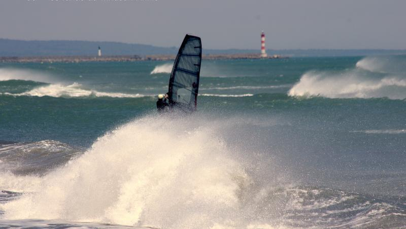 Wind report Leucate - Les Coussoules - France (11) 2019-06-15 18:00:00