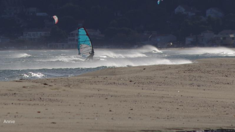 Wind report Leucate - Les Coussoules - France (11) 2019-11-25 18:00:00