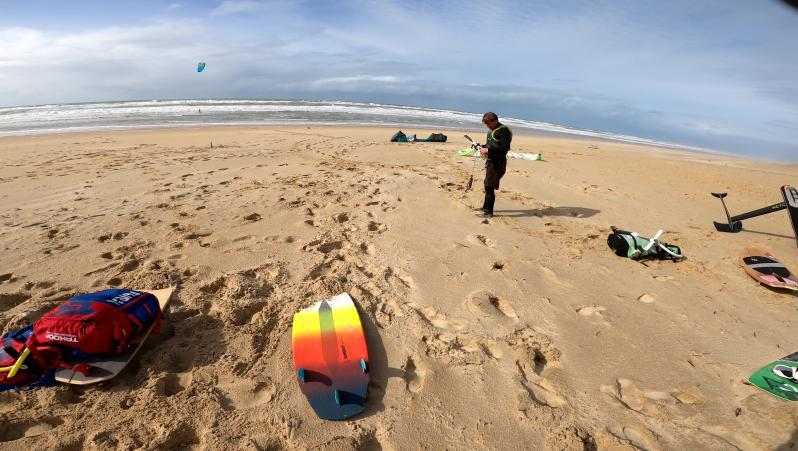 Wind report Le Grand Crohot - France (33) 2020-02-26 14:00:00