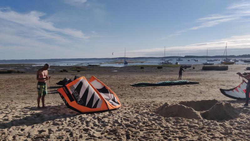 Wind report Arès - Saint-Brice - France (33) 2020-07-25 19:00:00